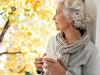 Исследование: к старости жизнь женщин становится сложнее мужчин